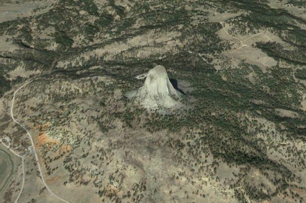 Интересные места Америки: Башня Дьявола