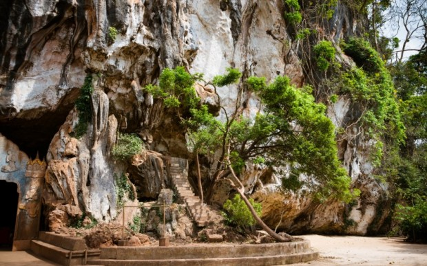 Интересные места в Пханг Нга: Храм обезьян