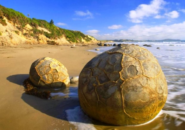 Каменные шары