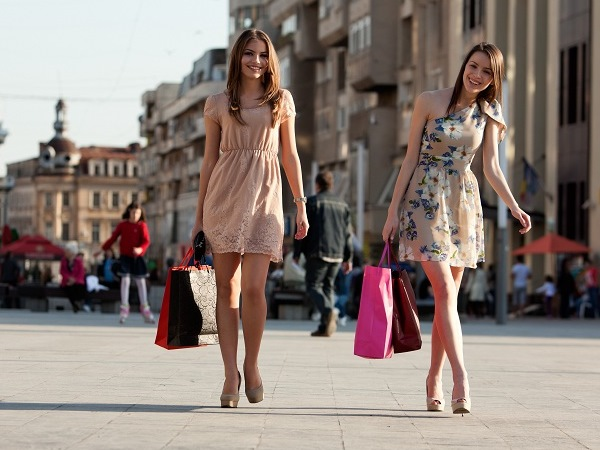 Отдых в июле или,  куда поехать на шопинг