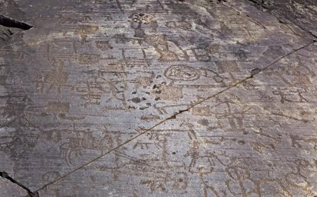 Петроглифы Валь-Камоники