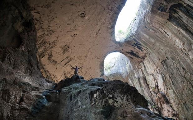 Посмотреть в Глаза Бога – пещера Проходна в Болгарии