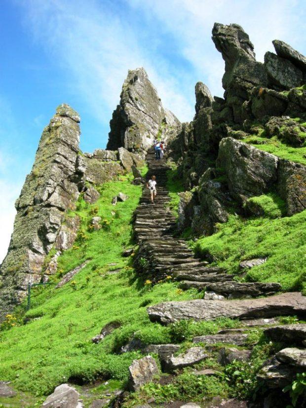 Путешествие в неприступный монастырь Скеллиг-Майкл