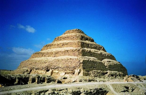 Путешествие по Африке: ступенчатая пирамида Джосера в Саккаре