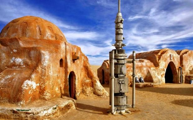 каменные извояния Туниса