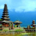 Экскурсии на Бали: храм Пура Улан Дану