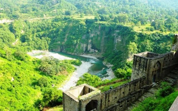 Индийские Гималаи – долина Кангра