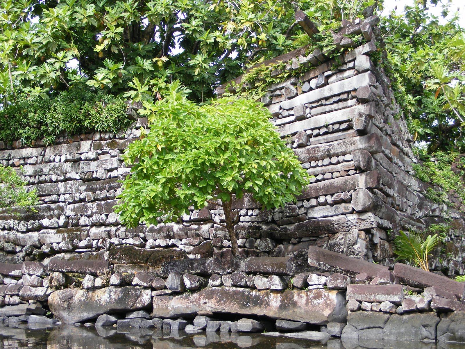 Интересные места Азии древний город Нан-Мадол