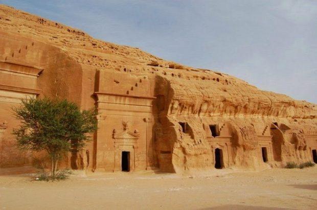 Интересные места Саудовской Аравии: замок в Мадаин-Салих