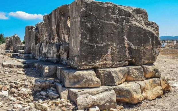 Кипр и его античные города, его мегалиты и комплексы