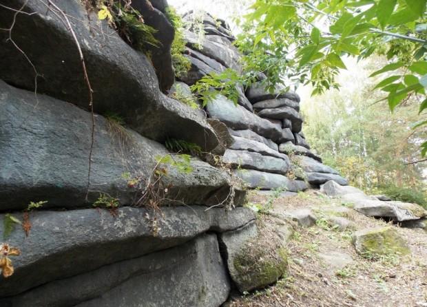 Мегалиты Екатеринбурга – Каменные палатки озера Шарташ 91