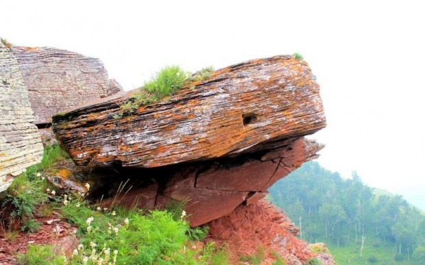 Мегалиты горы Каратаг