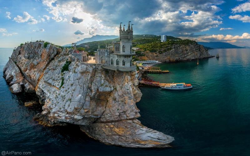 Нас встречает Крым
