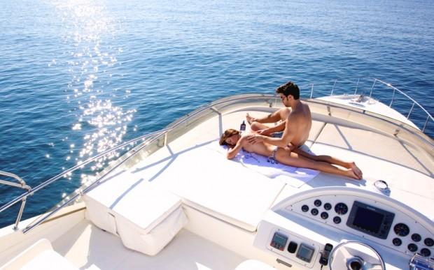 На волнах Сочи с борта прекрасной яхты