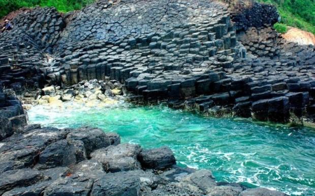 Пещера острова Акун