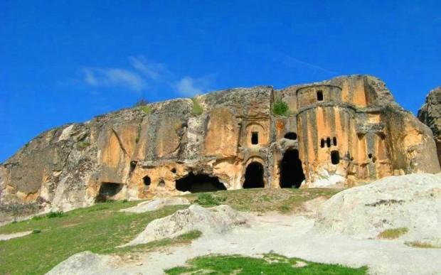 Скальный город Айязини