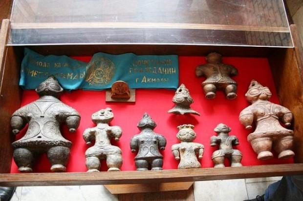 Статьи про Азию: древние фигурки Догу