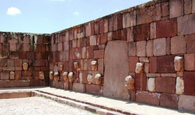 Что за туризм в Америке без посещения Пума Пунку и Тиуанако