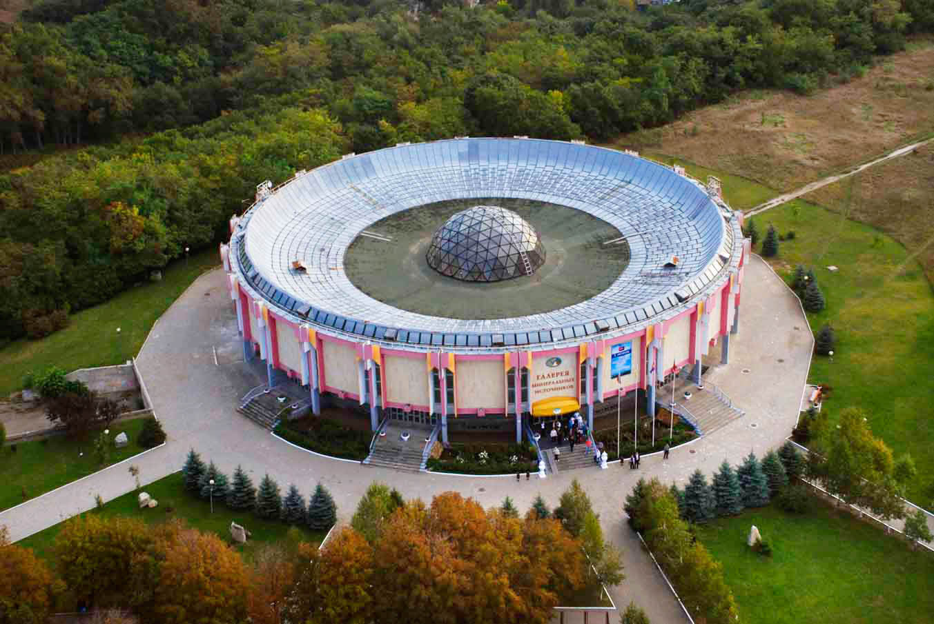 Санаторий «Виктория» — санаторий с самой большой питьевой галереей в Европе